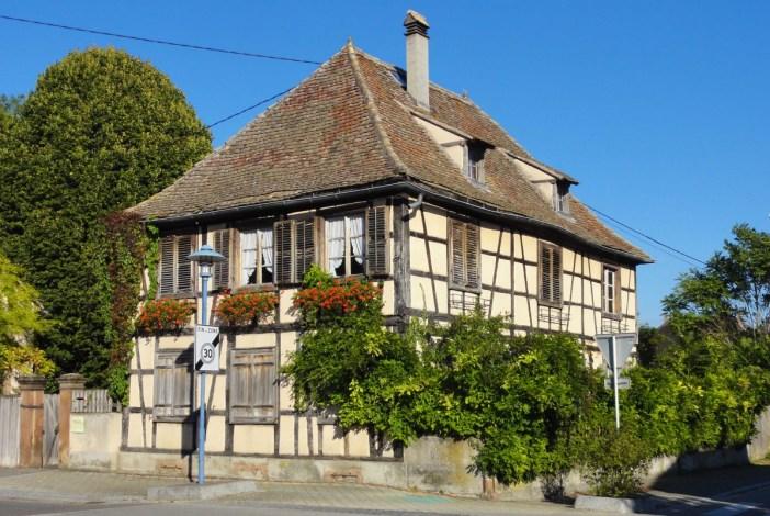 Marckolsheim : maison à pans de bois rue Clemenceau © Ralph Hammann - licence [CC BY-SA 4.0] from Wikimedia Commons