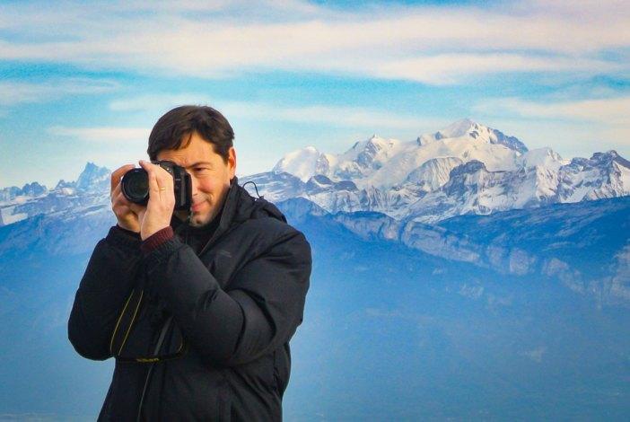 Année 2020 - Pierre en Savoie, le mont Blanc derrière lui © French Moments