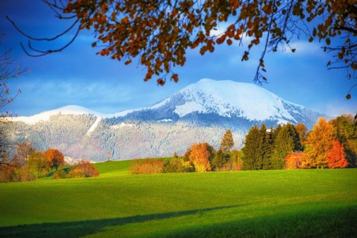 Le Môle couvert de neige en automne © French Moments