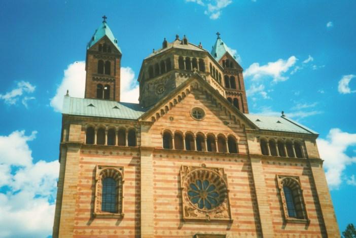 Détail de la façade occidentale de la cathédrale de Spire © French Moments