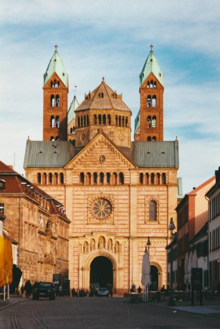 Vue de la façade occidentale de la cathédrale de Spire © French Moments