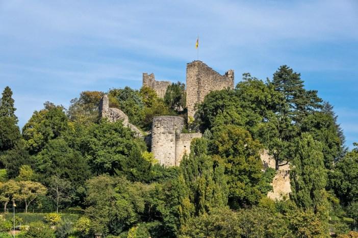 Autour de Mulhouse - Burg Baden © Jörgens.mi - licence [CC BY-SA 3.0] from Wikimedia Commons