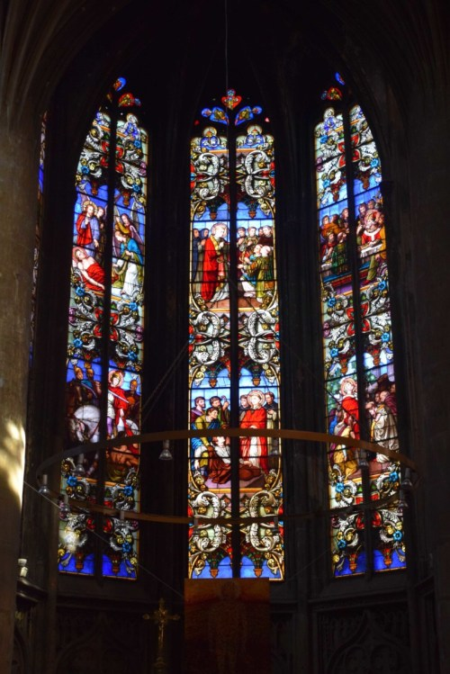 Les vitraux du chœur de l'église Saint-Martin © French Moments