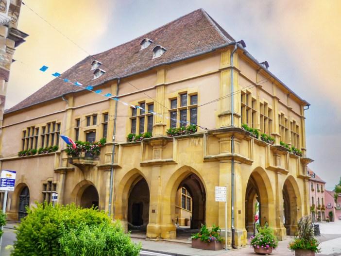 Autour de Mulhouse - Palais de la Régence d'Ensisheim © French Moments
