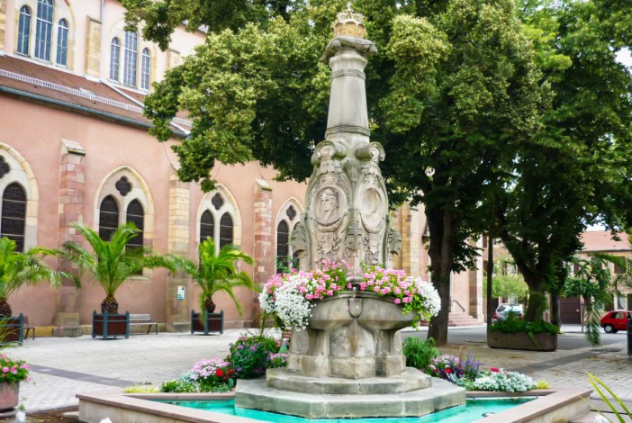 Fontaine Rodolphe de Habsbourg à Ensisheim © French Moments