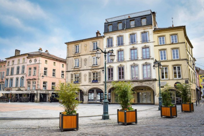 Epinal - Place des Vosges © French Moments