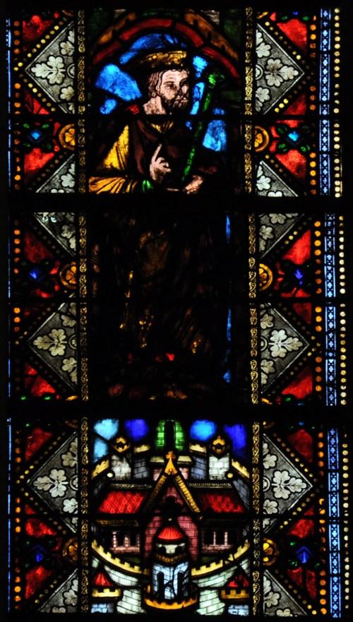 Vieux vitrail médiéval de la cathédrale de Metz. Photo : Vassil [Domaine Public]