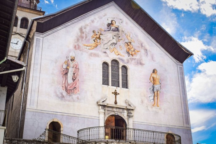 Eglise Saint-Grat de Conflans (Albertville) © French Moments