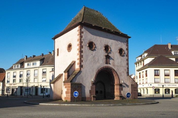 Portes fortifiées d'Alsace - Haguenau - Porte de Wissembourg © GFreihalter - licence [CC BY-SA 3.0] from Wikimedia Commons