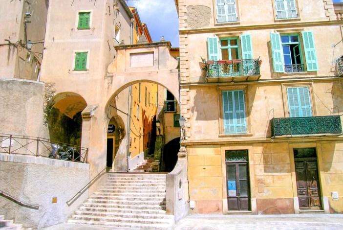 L'arc de la rue Mattoni © Luca Galli - licence [CC BY 2.0] de Wikimedia Commons