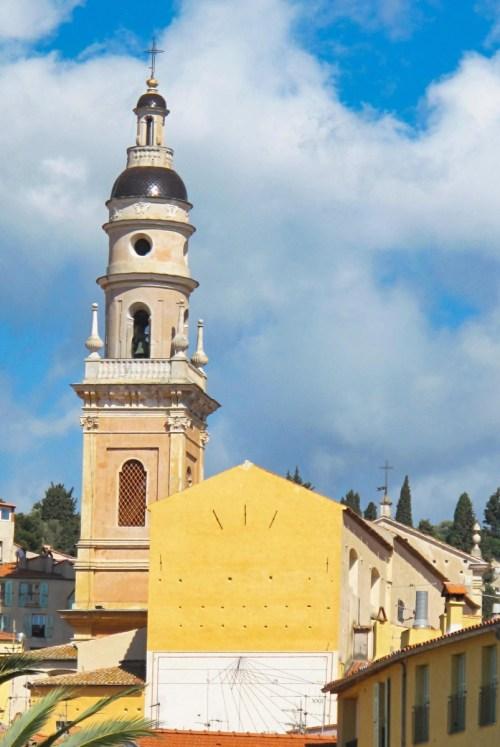 Le clocher de la basilique. Photo : Tangopaso (Domaine public)