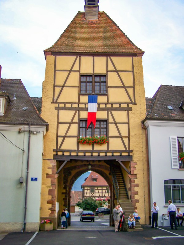 Portes fortifiées d'Alsace - Wihr-au-Val - Untertor © Madaki - licence [CC BY 2.5] from Wikimedia Commons