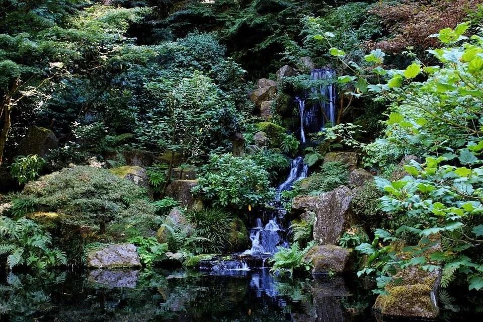 Cascade piour un jardin japonais