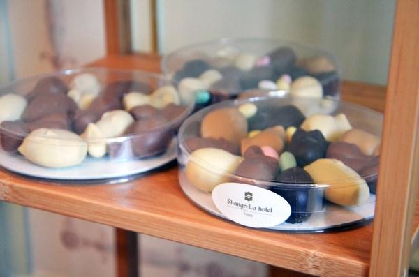 Boîte, Assortiment, chocolats, Pâques, Shangri-La, Hôtel, Paris, François Perret, pâtissier