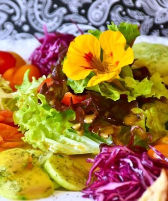 Jeûnes intermittents salade diète cétogène