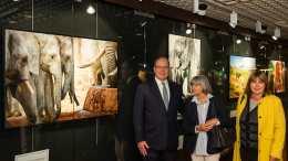 Il Principe Alberto di Monaco ha visitato la mostra Salvate gli elefanti d'Africa