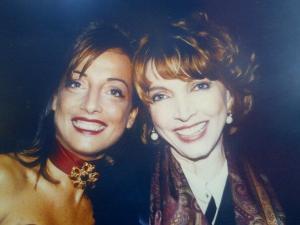 Nella foto: Paola e la zia Mariangela Melato
