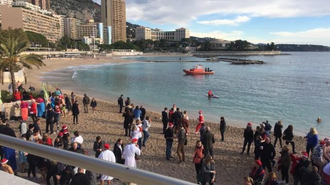 Il Bagno Di Natale del 2017 a Monte Carlo a favore dei bambini meno fortunati.