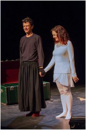 Enrica Barel e Filippo Usellini nello spettacolo teatrale sui racconti di Dino Buzzati per iniziativa dell'Associazione Dante Alighieri di Monaco Ft.webstudio06 - Riccardo Pizzi
