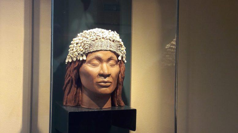 """Museo Preistorico dei Balzi Rossi, la ricostruzione del volto della """"Donna del Caviglione"""" vissuta 24mila anni fa"""
