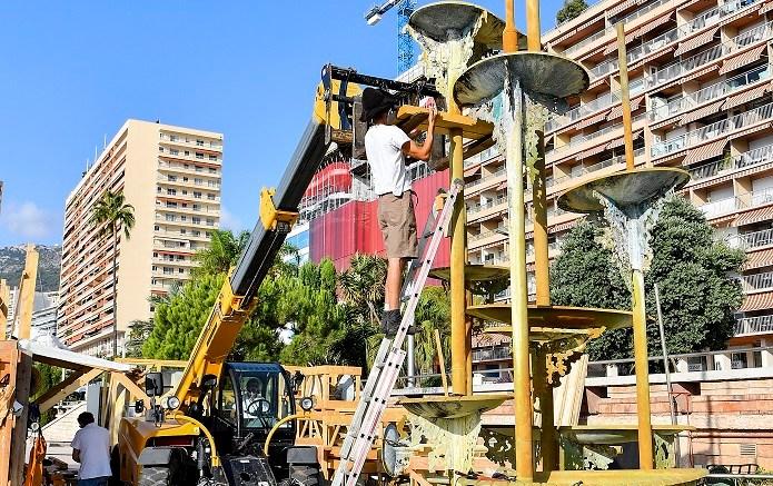Larvotto: In corso lo Smantellamento della Fontana di Guy Lartigue Dedicata alla Principessa Grace