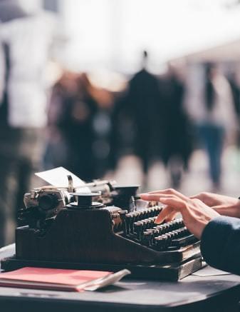 Le Donne, la Letteratura e la Solidarietà nel Concorso Online Pierpaolo Fadda