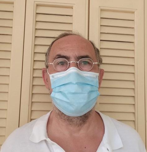 Costa Azzurra: Le Mascherine Possono Rivelare Personalità o Stato d'Animo? La Risposta dello Psicologo