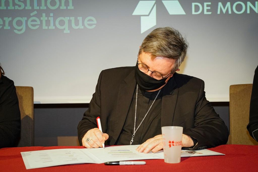 L'Arcivescovo di Monaco Dominique Marie David  durante un incontro all'Agorà di Monaco