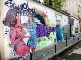 Gainsbourg's house new graffiti facade, Paris