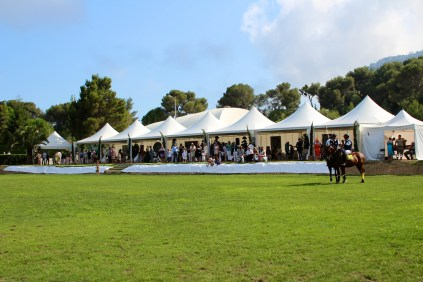 The manicured grounds and the VIP area @CelinaLafuenteDeLavotha2014