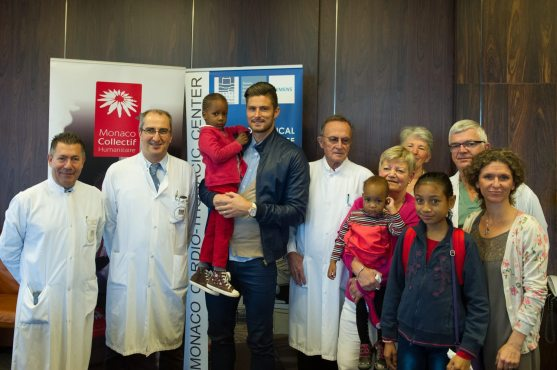 Olivier Giroud with children treated at the Monaco Toracic Center