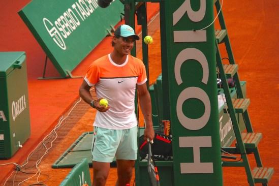 Rafael Nadal throwing autographed tennis balls to the fans @CelinaLafuenteDeLavotha