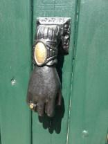 A door in Ile de Re @CelinaLafuenteDeLavotha