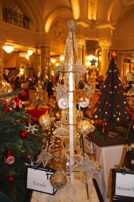 Christmas Tree No.17:2015 by Escada with a bag ML Forty @CelinaLafuenteDeLavotha