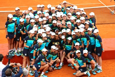 Rafael Nadal with all the ball boys and ball girls MCRM 2017 @CelinaLafuentedeLavotha