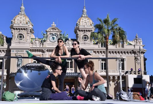 Monte-Carlo Ballet dancers on the giant bar in the Casino Square ©Charly Gallo - Manuel Vitali : Direction de la Communication