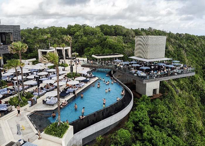 Omnia Bali.jpg