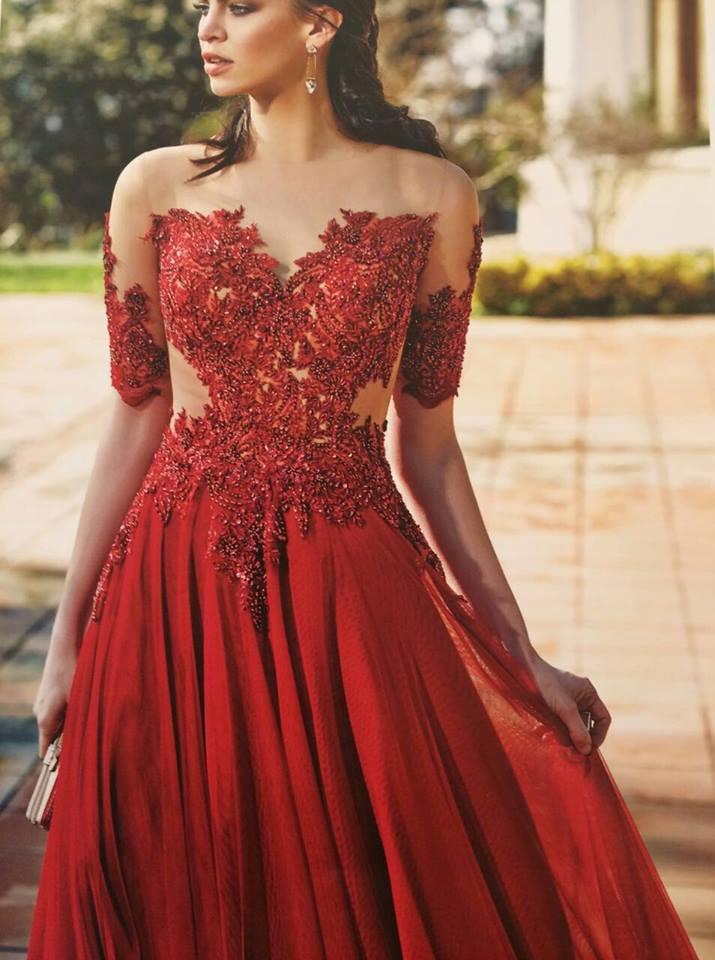 Robe libanaise de princesse rouge avec bustier