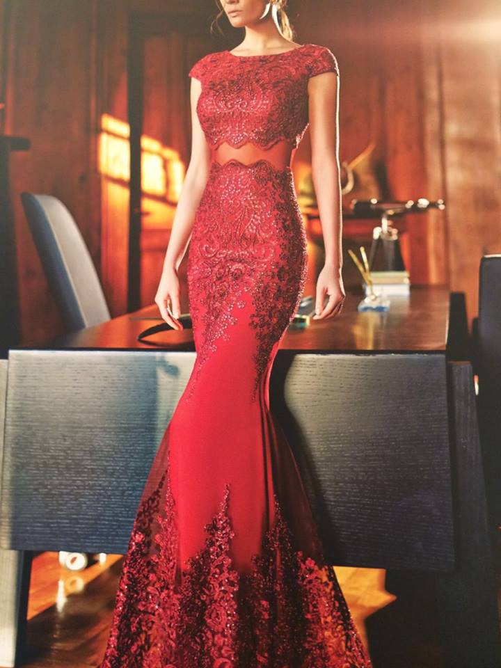 robe libanaise rouge déesse