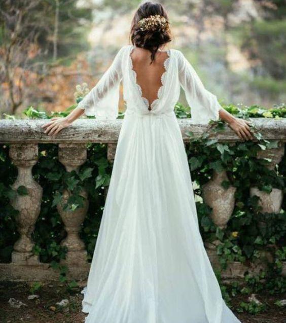 Robe de mariée tendance en 2017. Les plus belles robes de mariée blanche décolleté en dentelle.