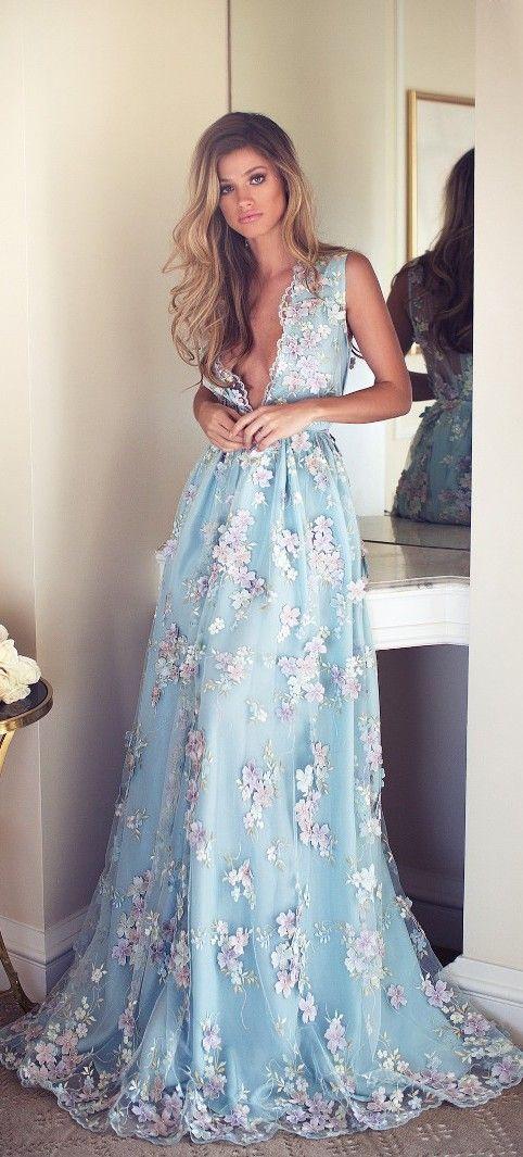 robe-demoiselle-d'honneur-longue-bleu-ciel-brodée