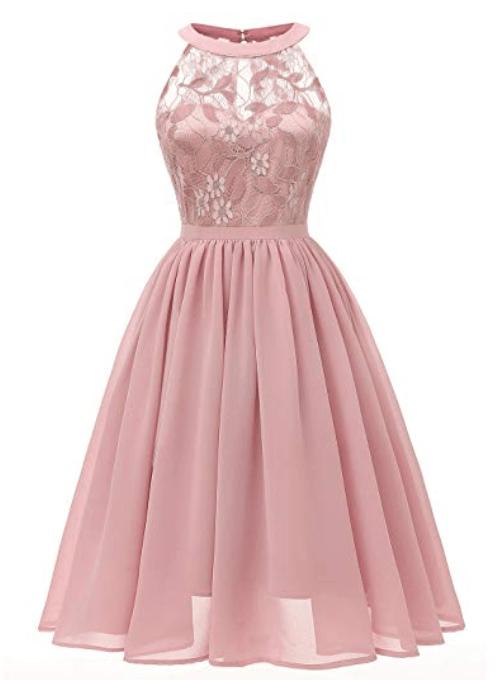 Robe rose courte en dentelle
