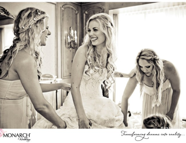 Bride-getting-ready-shot-Westgate-hotel