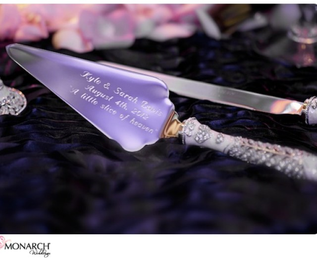 Engraved-wedding-cake-knife-and-server-prado-wedding