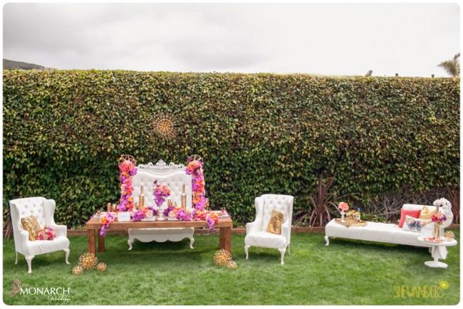 Exquisite-weddings-monarch-weddings-table-top-white-throne-chair-modern-wedding