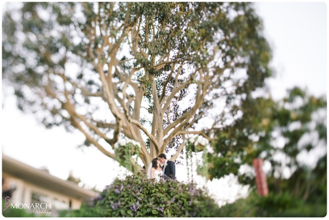 Garden-Chic-Rustic-Wedding-Bride-and-groom-under-large-tree