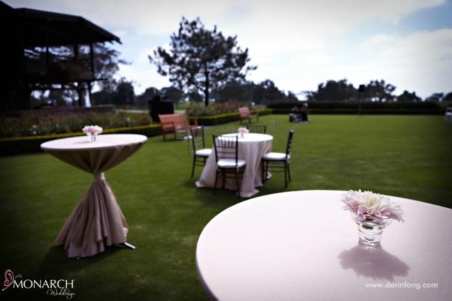 Lodge-at-Torrey-pines-wedding-rustic-blush-linen-cocktail-setup