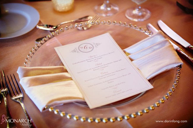 Lodge-at-Torrey-pines-wedding-reception-gold-beaded-charger