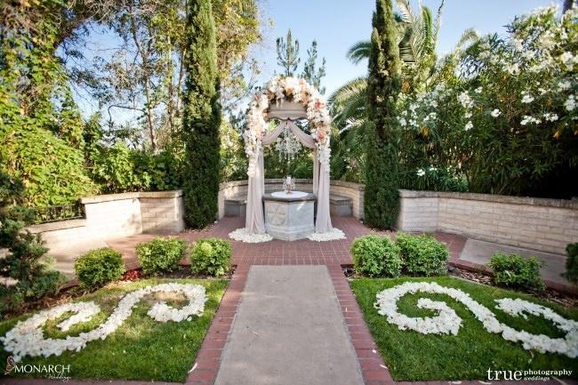Wishing-well-at-Prado-Balboa-Park-Wedding-blush-wedding
