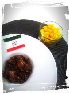 Plat d'Iran au poulet avec du jus de grenade et noix et riz safrané monblabladefille.com